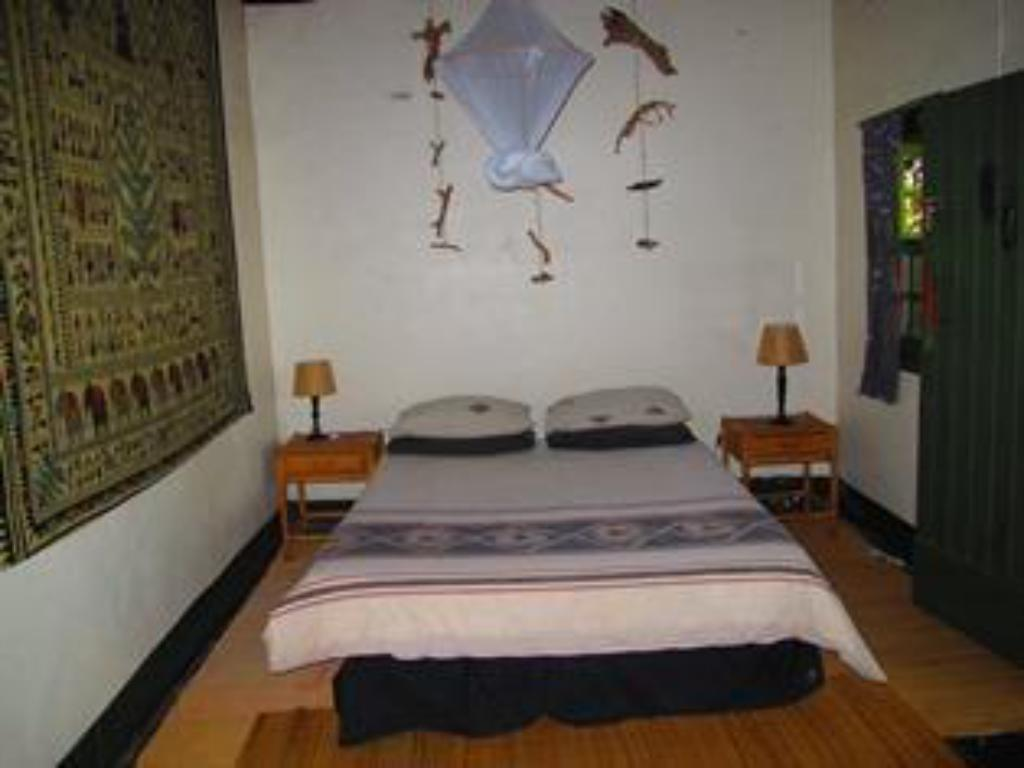 Double Room - Bed Amapondo Backpackers