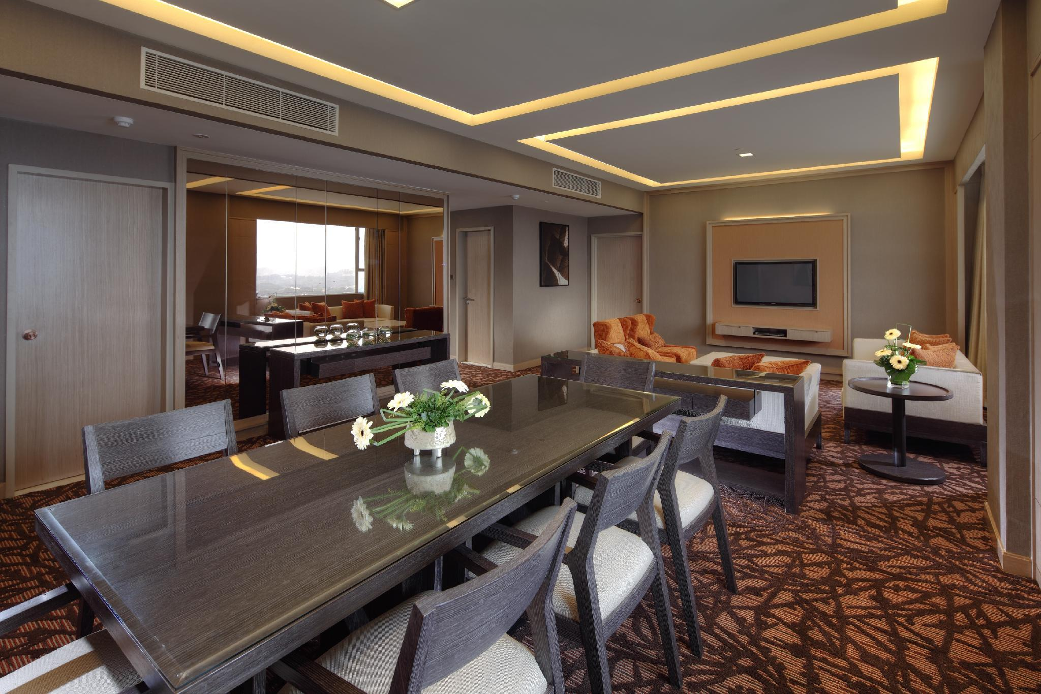 King Royal Suite