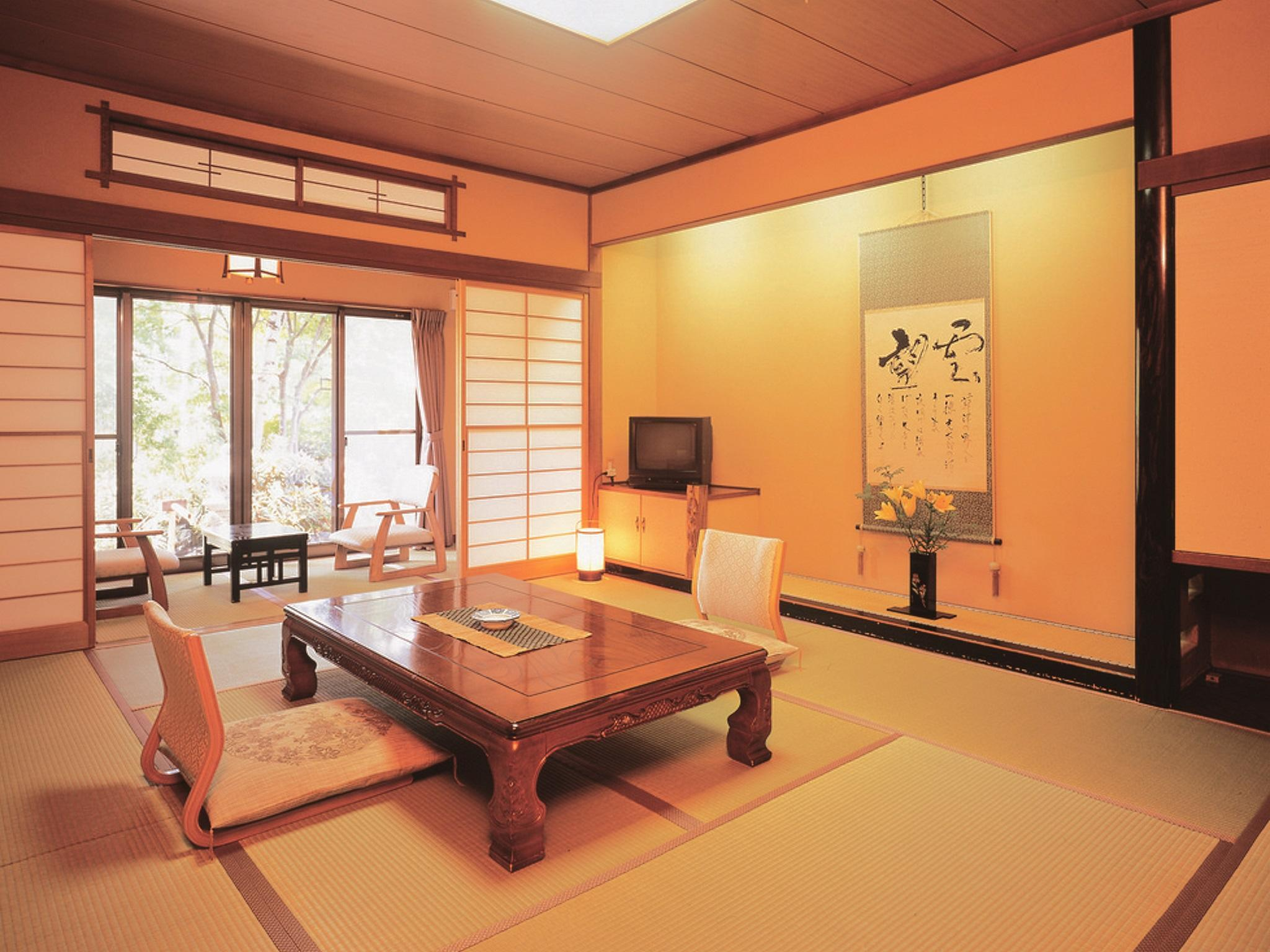 舒適日式客房 - 需共用衛浴/附早餐 (Comfort Japanese Style Room with Shared Bathroom - Breakfast Included)