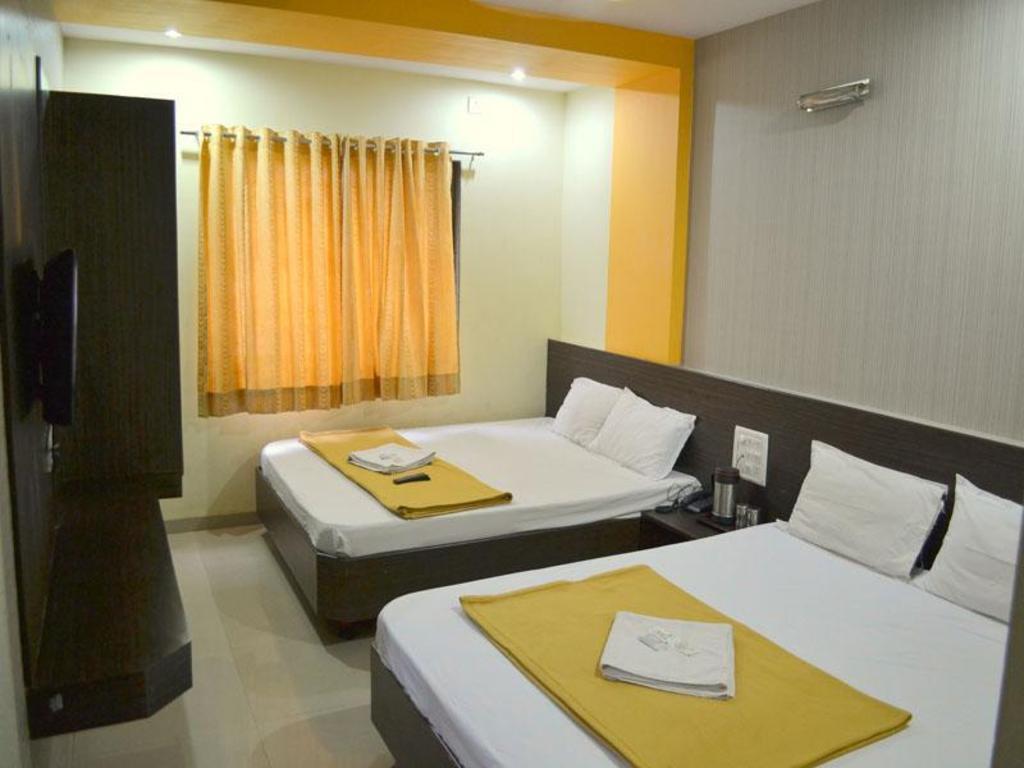 Hotel Sai Balaji Best Price On Hotel Sai Kamal In Shirdi Reviews