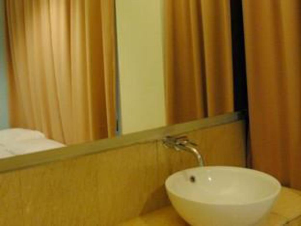 Bathroom Hotel New Town USJ Sentral