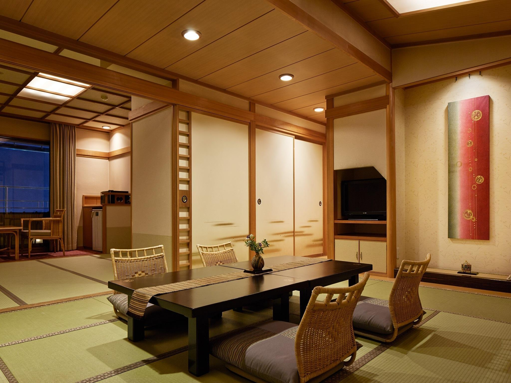 湖景豪華日式客房 - 有露天浴池 (Deluxe Lake View Japanese Style Room with Open-Air Bath)
