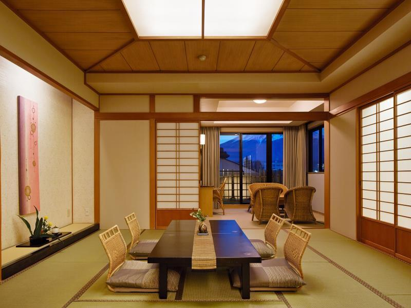 山景豪華日式客房 - 有露天浴池 (Deluxe Mountain view Japanese Style Room with Open-Air Bath)