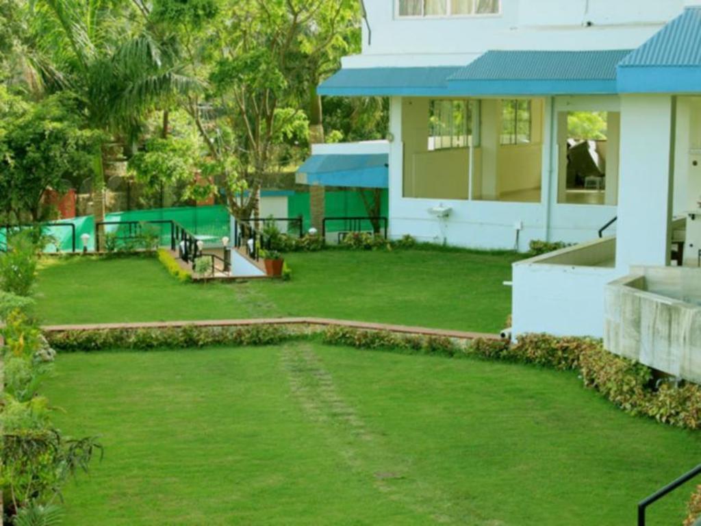 Best Price On Sunrise Hill Resort In Lonavala Reviews