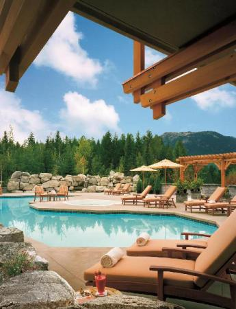 Piscină Four Seasons Resort Whistler