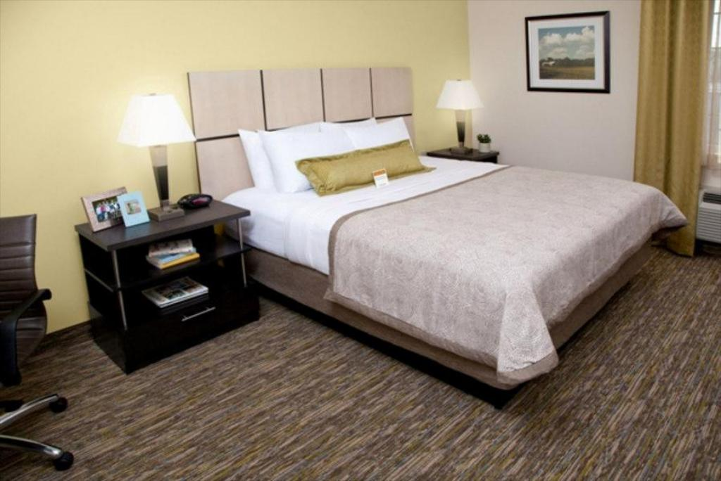 Studio Suite 1 King Non-smoking Candlewood Suites Wichita East