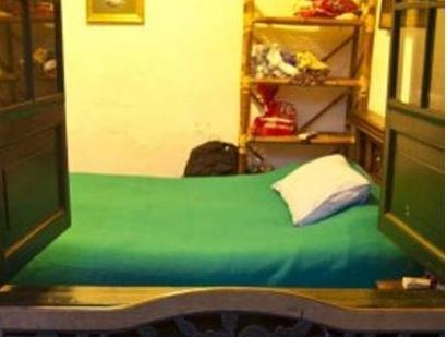 Single Bed in Dormitory Room (4 Adults)