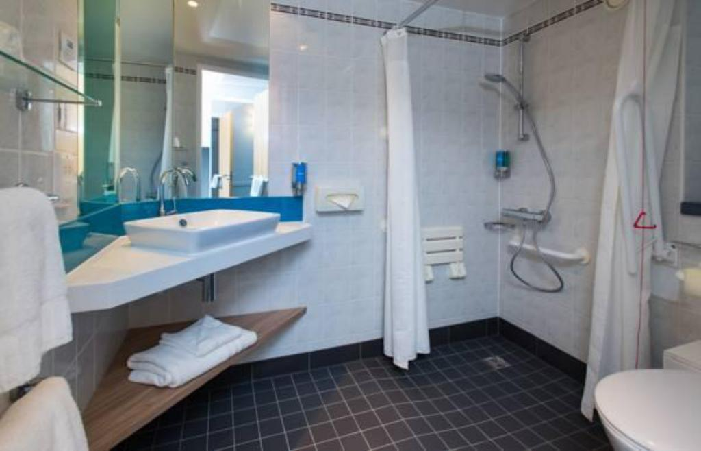 Баня Holiday Inn Express Bath