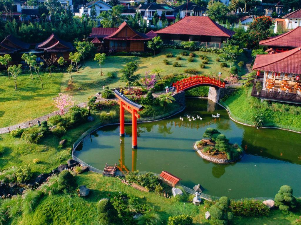 The Onsen Hot Spring Resort In Malang Room Deals Photos Reviews