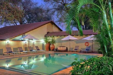 Swimming pool Protea Hotel Livingstone