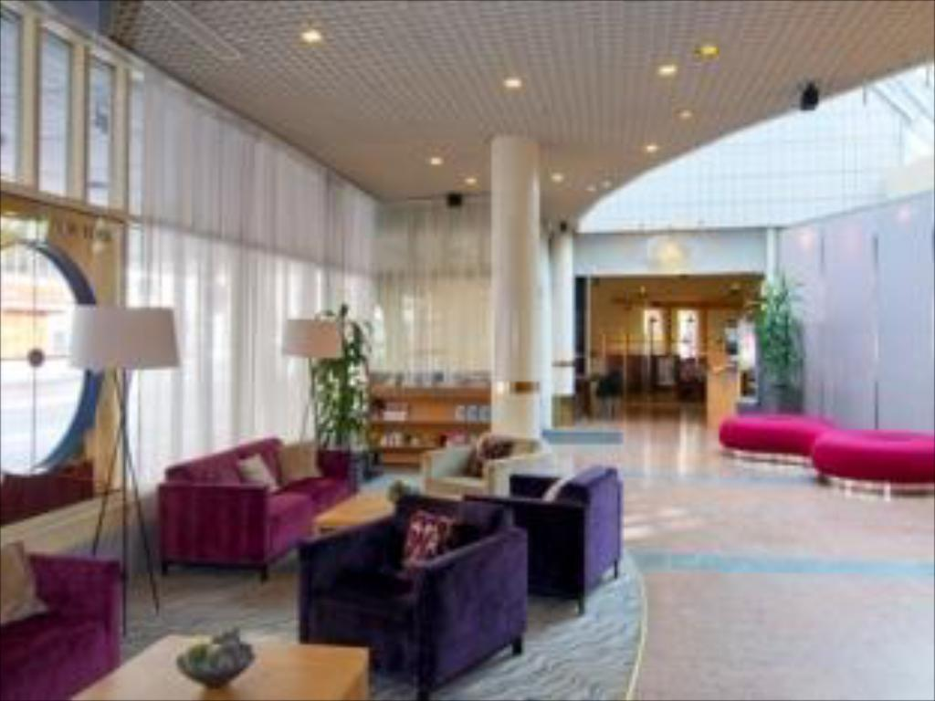 לובי Holiday Inn Turku Hotel