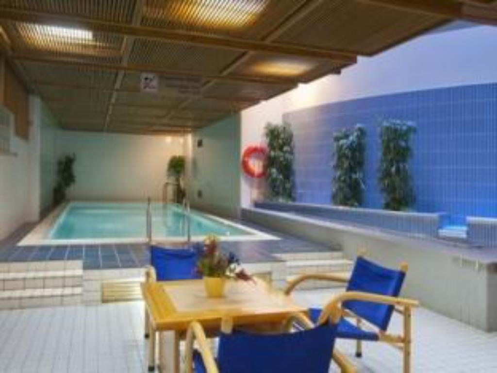 בריכת שחיה Holiday Inn Turku Hotel