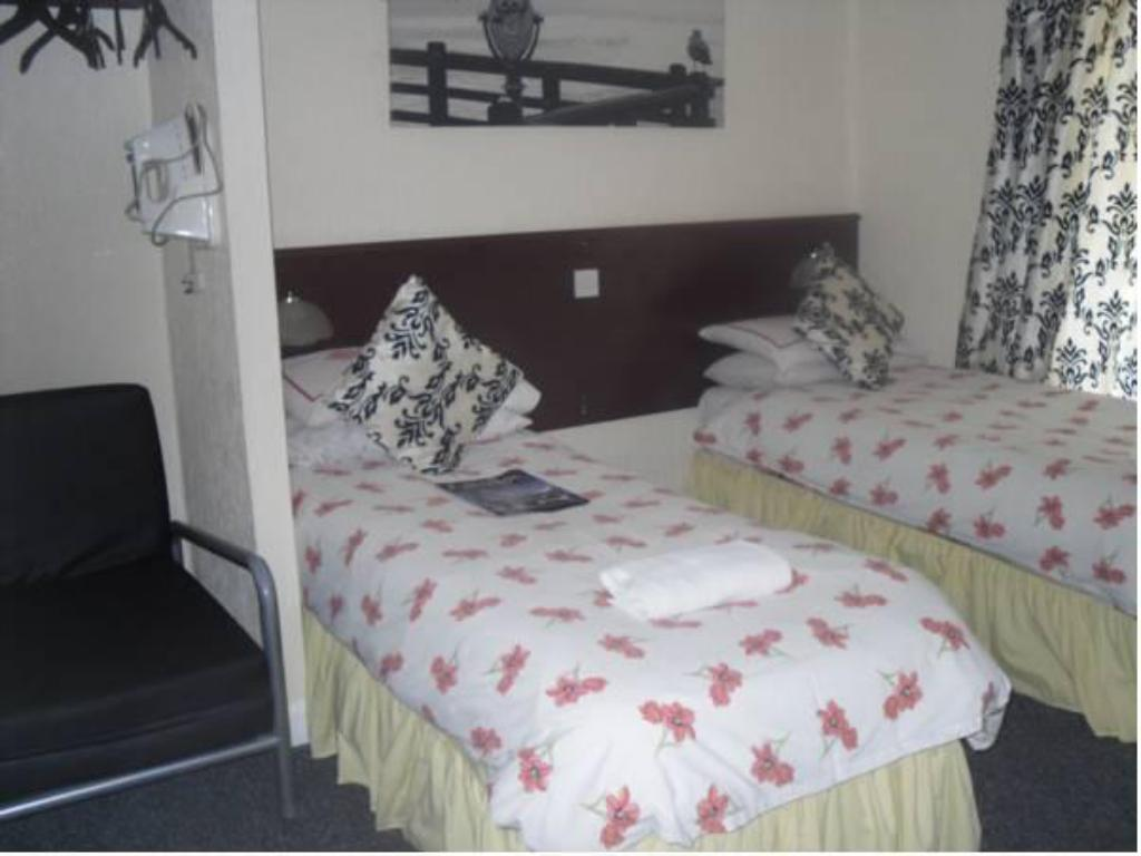 Tweepersoons- of twinkamer (2 aparte bedden) - Bed Fairway Lodge