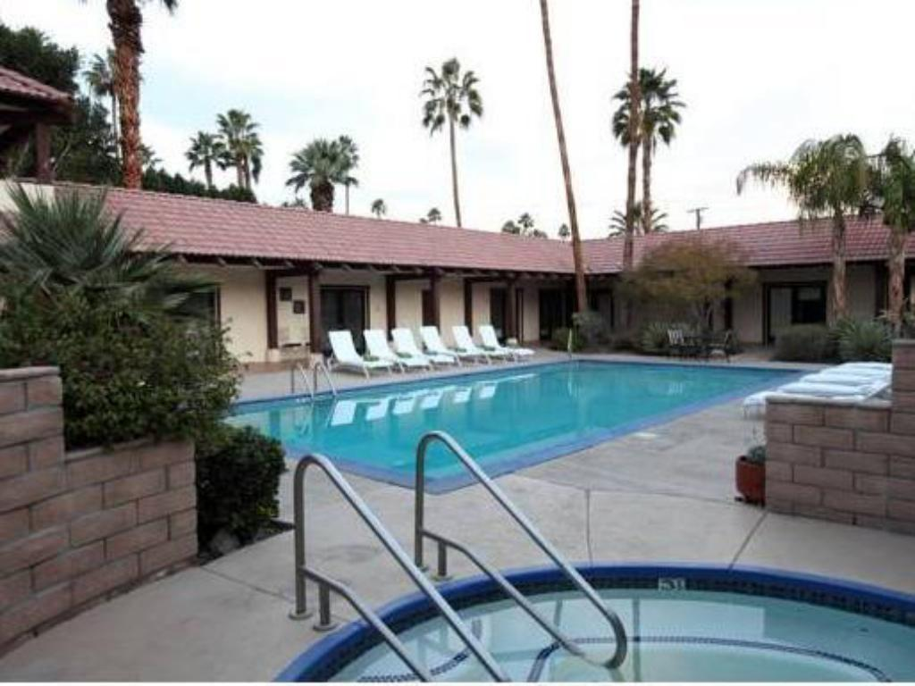 Hotels In Palm Springs >> La Maison Hotel Palm Springs South Palm Springs Ca