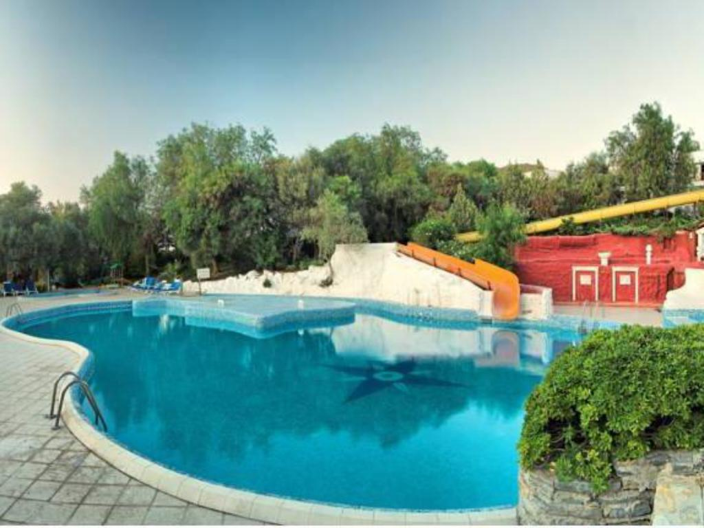 Piscina Onura Holiday Village