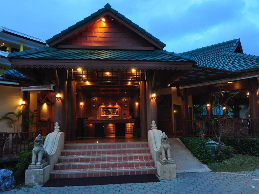 Лоби Baan Karonburi Resort