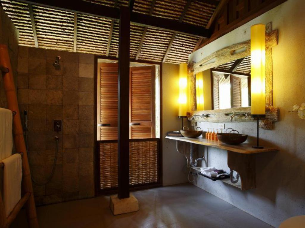 Studio Sea Breeze - Kamar mandi Koyao Island Resort