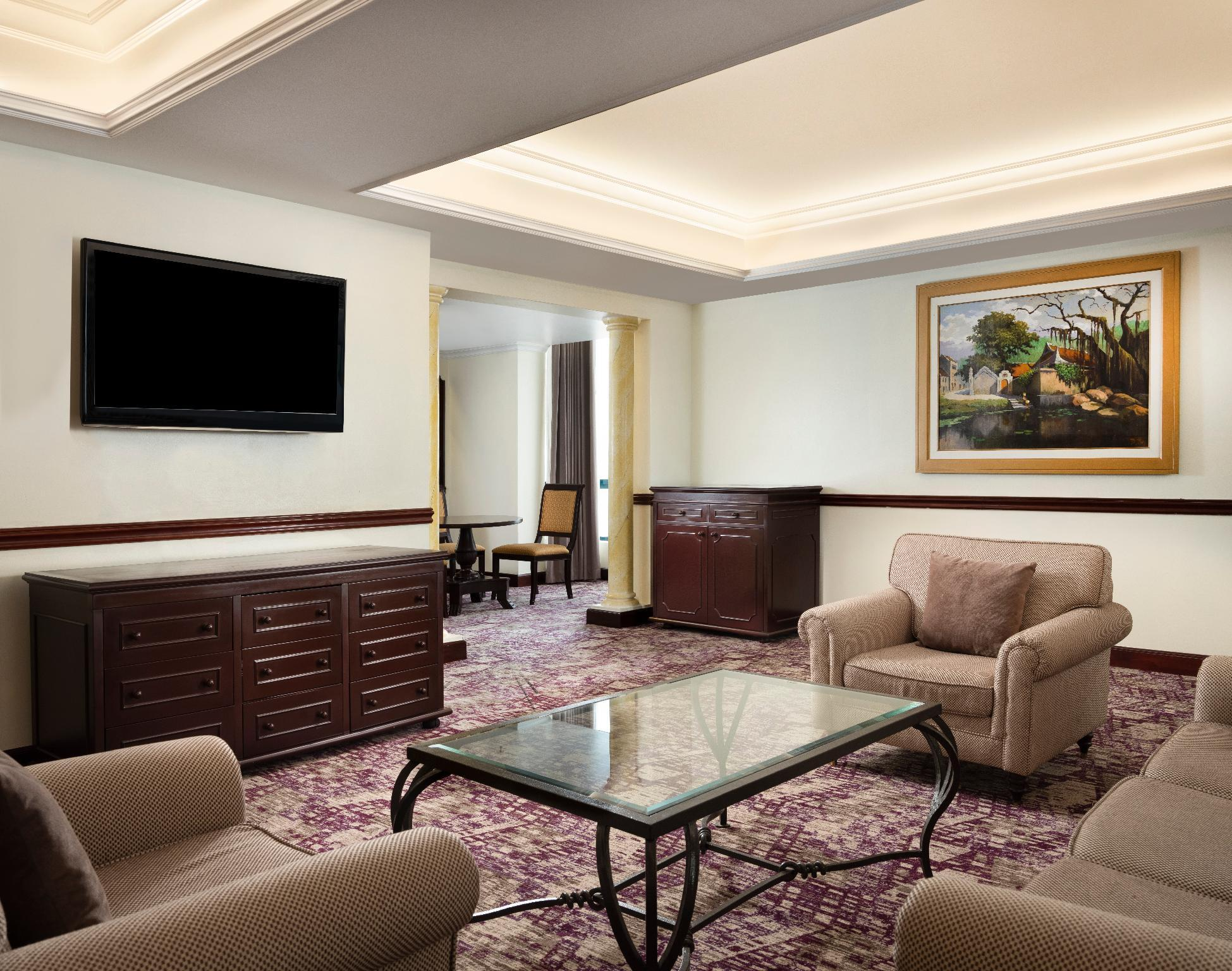 Presidential Suite, Club level, Suite, 1 King