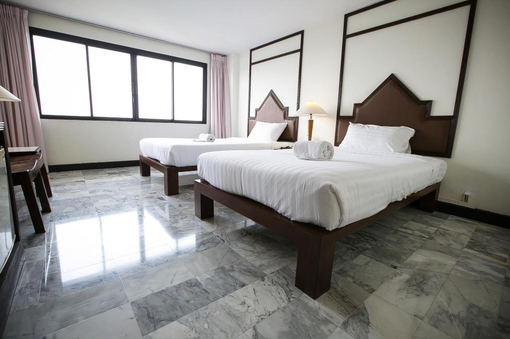 Superior Twin Room (2 Beds) Seeharaj Hotel