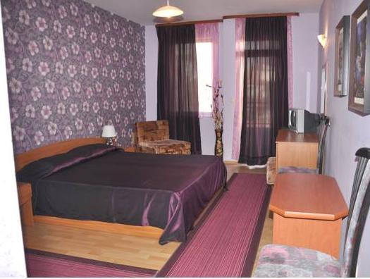 Dvivietis numeris su balkonu (Double Room with Balcony)