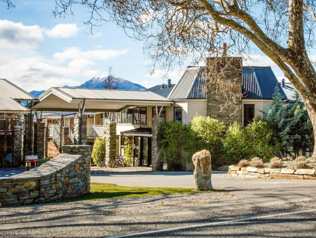 More about Ramada Resort Wanaka
