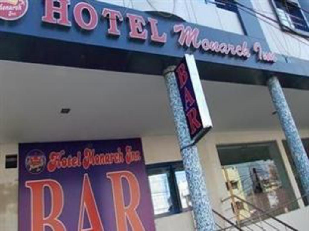 Hotel Monarch Inn Lucknow