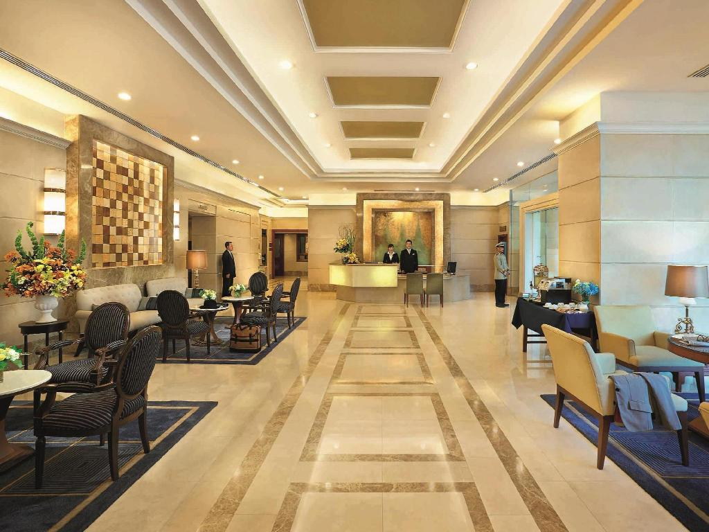 Lobby Centre Point Sukhumvit 10 Hotel