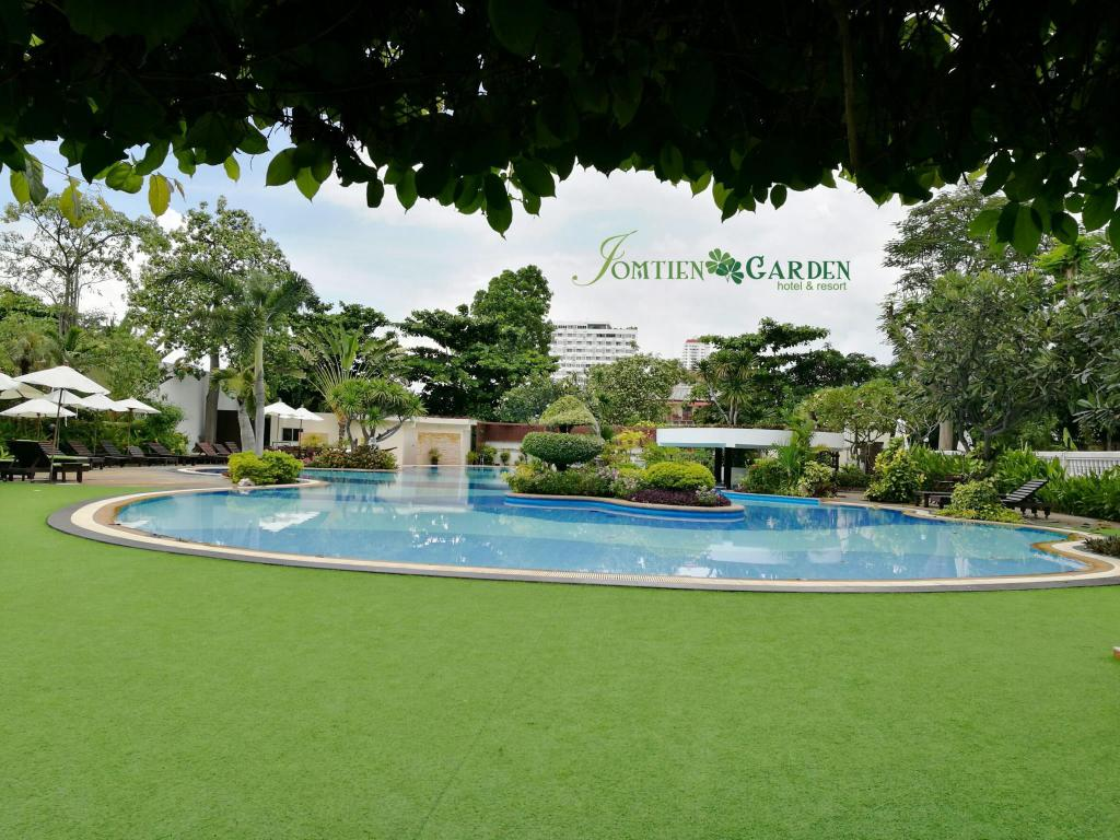 Best Price on Jomtien Garden Hotel & Resort in Pattaya + Reviews!