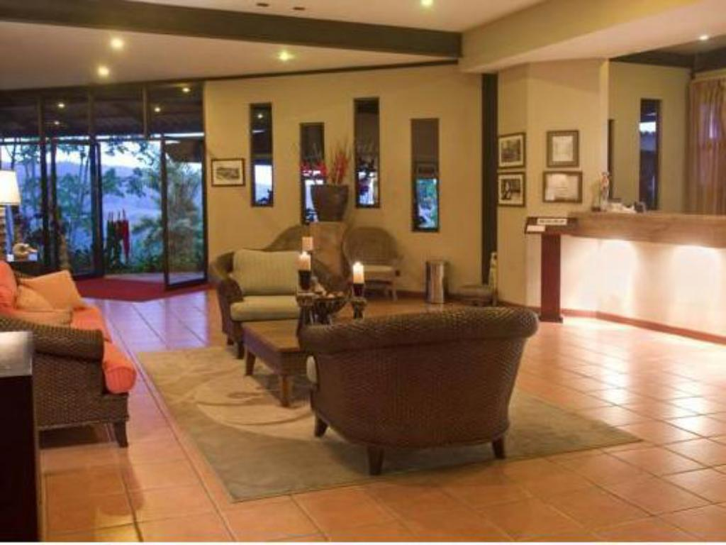 Lobby Hotel Arenal Kioro Suites & Spa