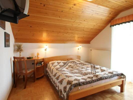 Doppelzimmer mit Balkon (Double Room with Balcony)
