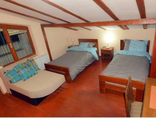 Chambre Lits Jumeaux avec Lit d'Appoint (Twin Room with Extra Bed)