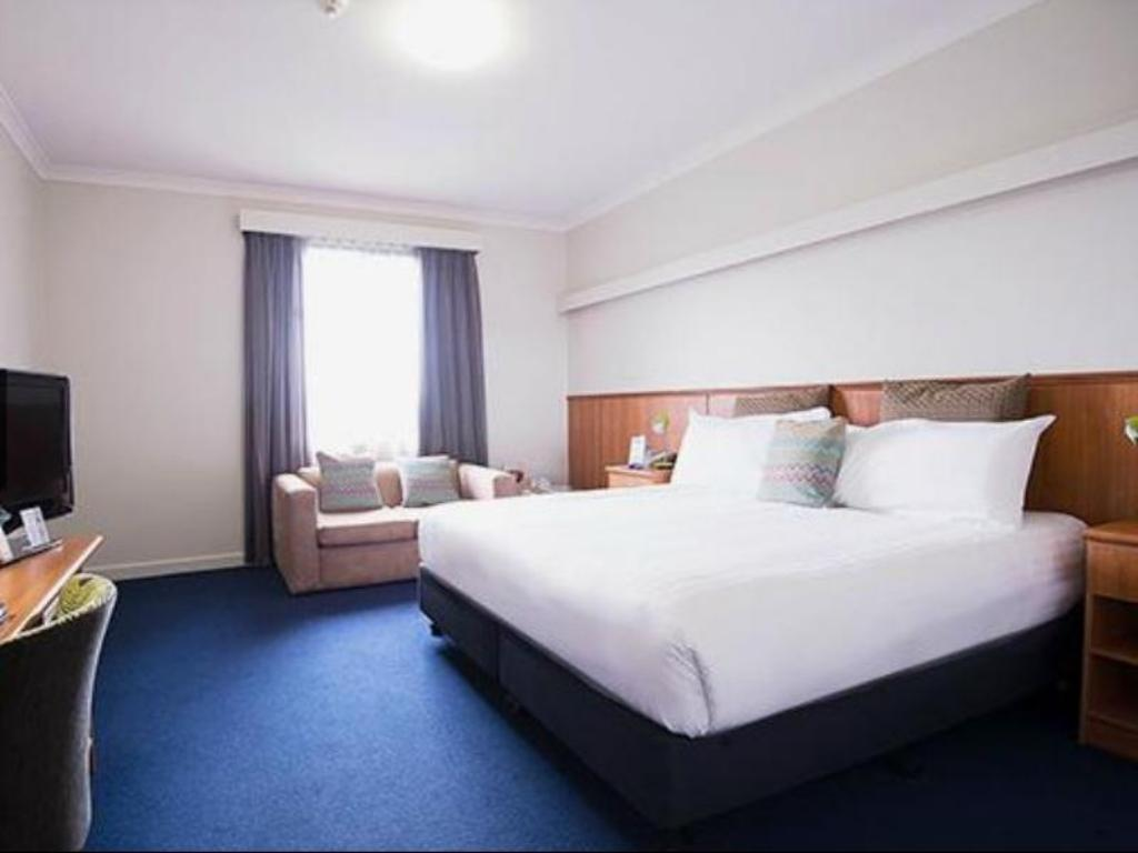See all 37 photos Comfort Hotel Perth City