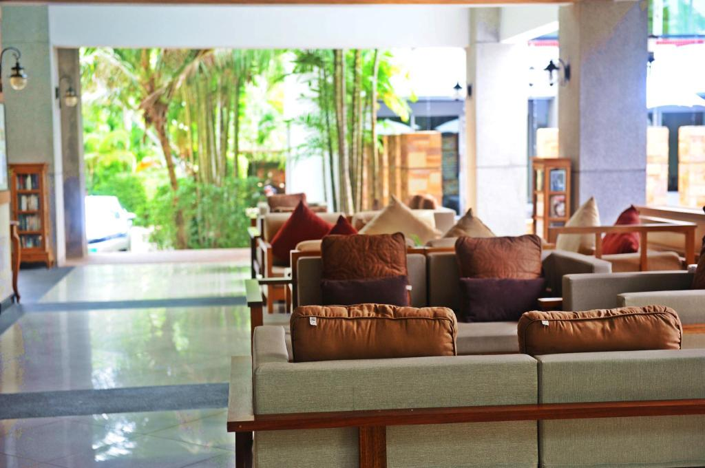 Lobby Lanta Sand Resort & Spa