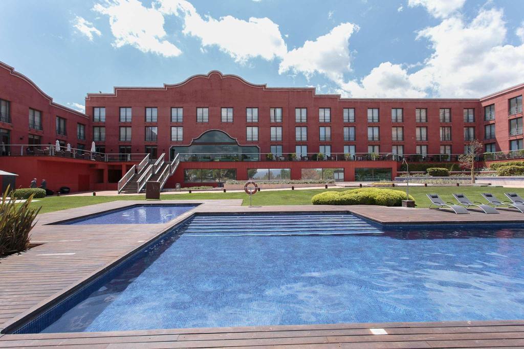 Hotel Barcelona Golf Resort in Sant Esteve Sesrovires - Room Deals ...