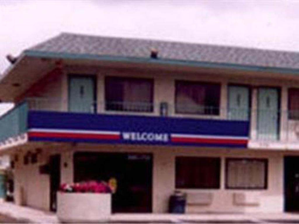 More About Motel 6 West Memphis Arkansas