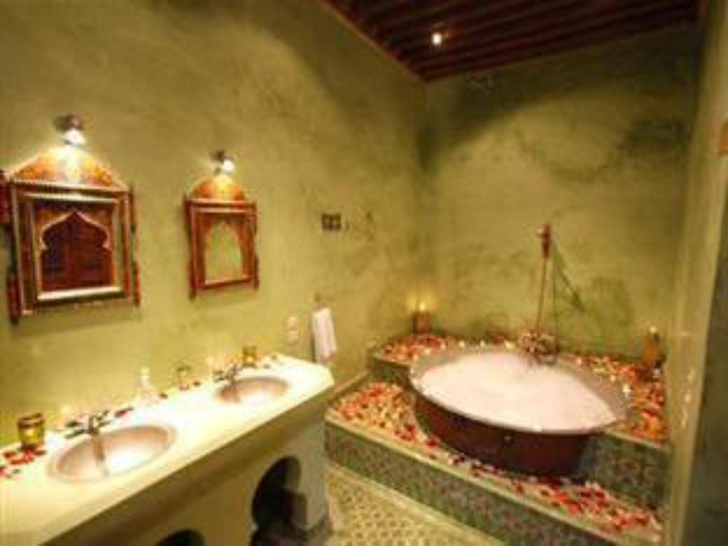 Single Room - Bathroom Dar Benares Hotel