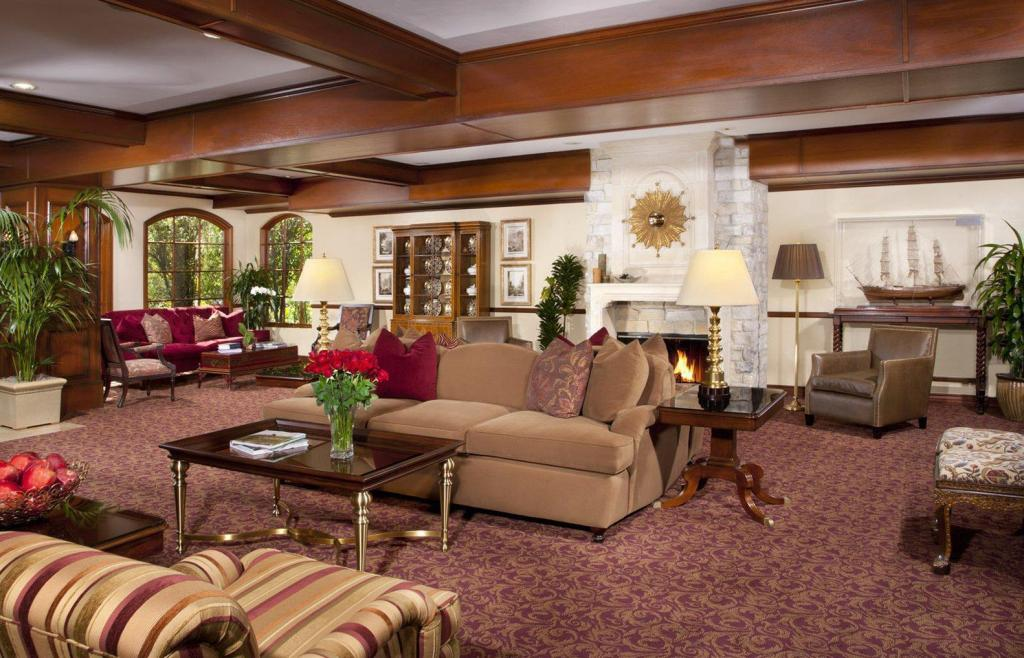 Lobby Ayres Suites Mission Viejo