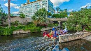 El Tropicano Riverwalk