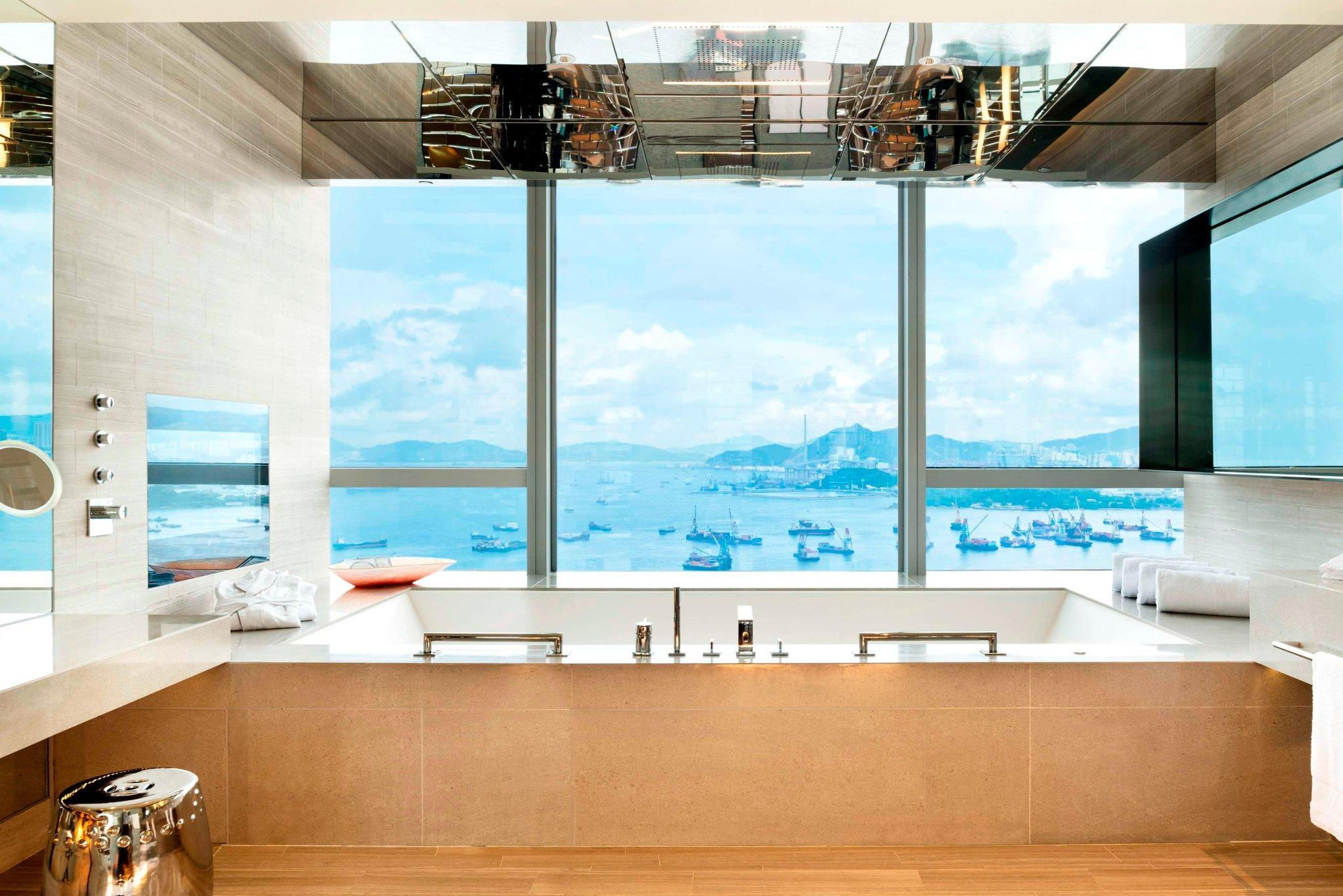 Extreme WOW, Suite, 1 King, Skyline view, Whirlpool