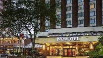 Novotel Toronto Mississauga Center Hotel