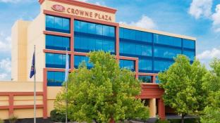 Crowne Plaza Hotels & Resorts Reading