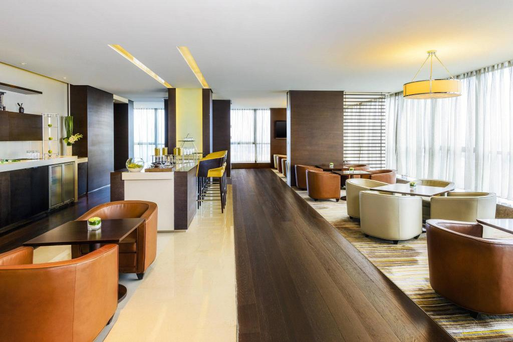 Jinmao Presidential Suite, Club lounge access, 1 King