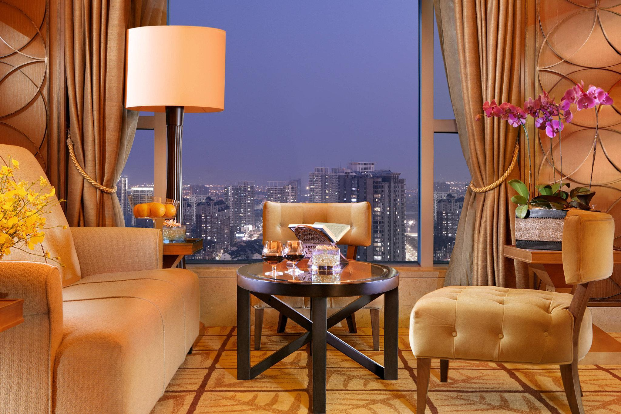Executive Room, Club level, Guest room, 2 Double, City view