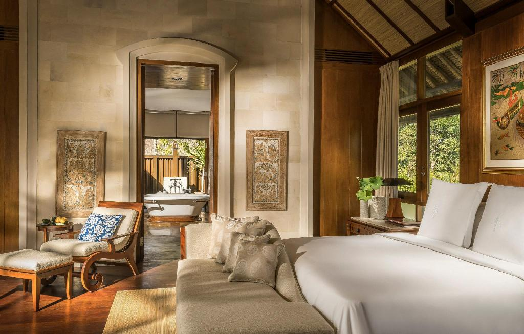 Three-Bedroom Garden Residence Villa with 2 King Size Beds and 2 Twin Beds - Bed Four Seasons Resort Bali at Jimbaran Bay
