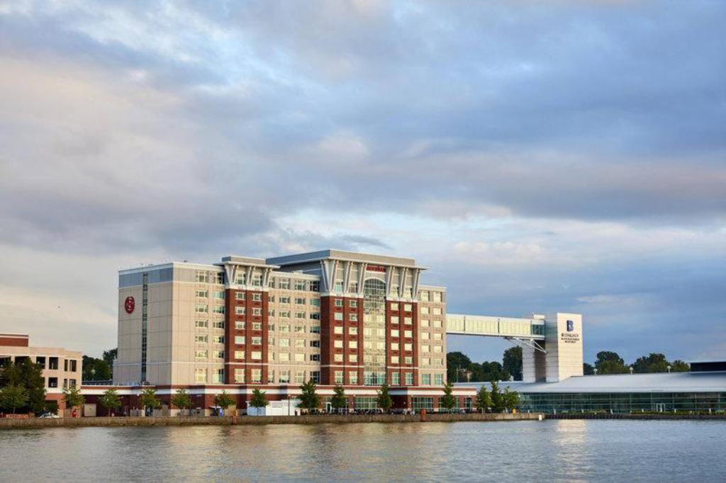 Hotels In Erie Pa >> Sheraton Erie Bayfront Hotel In Erie Pa Room Deals