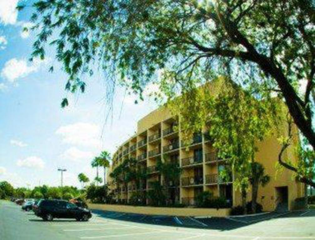 Ramada by Wyndham Orlando Downtown