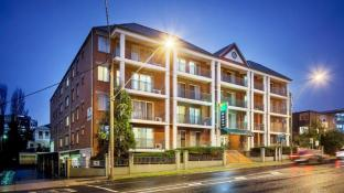 Punt Road Apartment Hotel