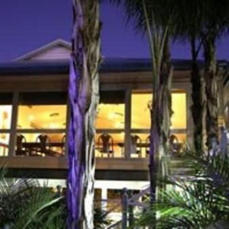 Cattlemans Country Motor Inn & Serviced Apartments