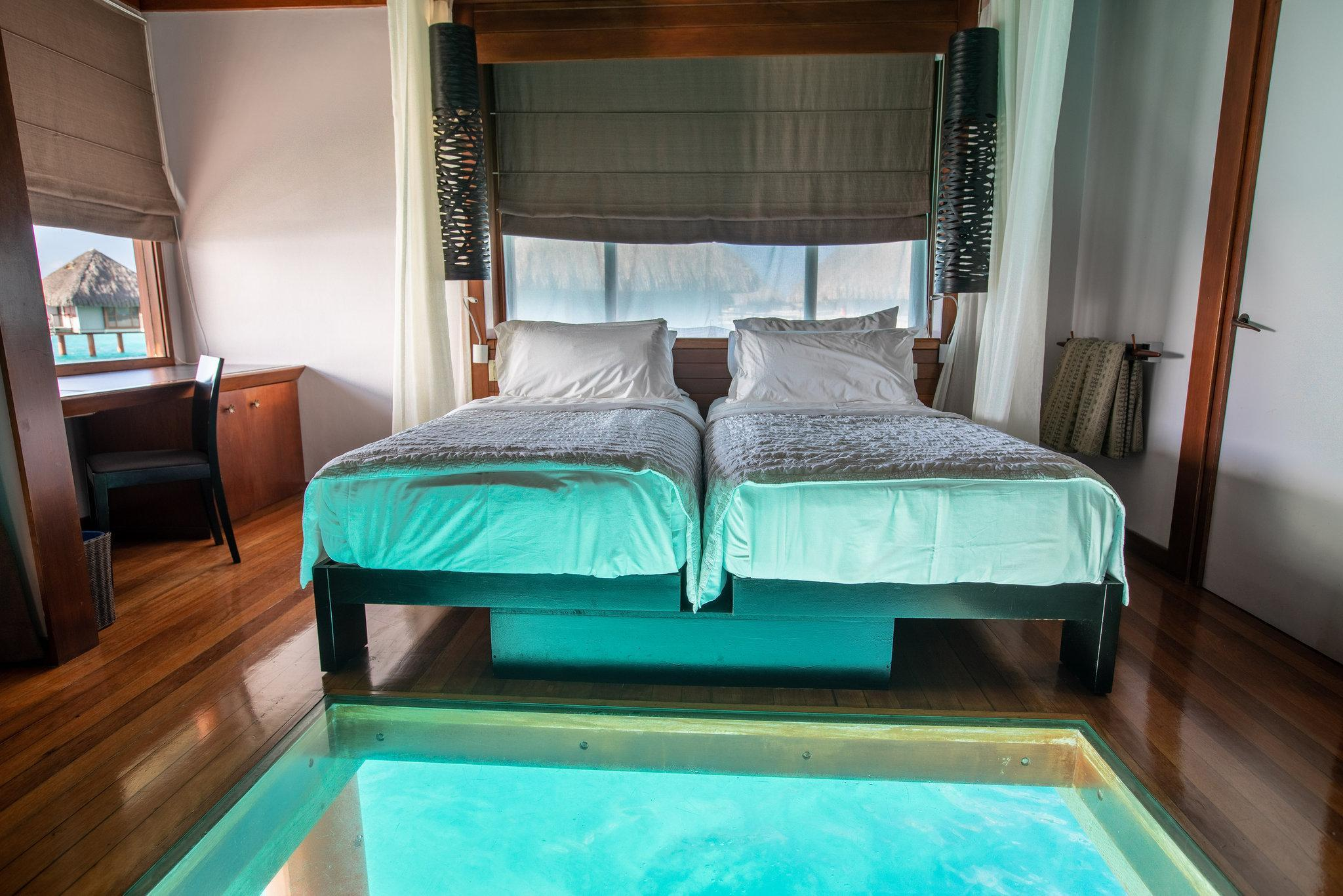 Overwater Lagoon Bungalow, Bungalow, 1 King, Sofa bed