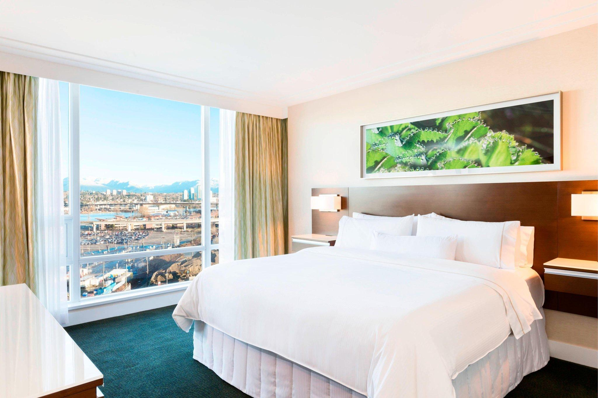 Traditional, Guest room, 1 King, City view